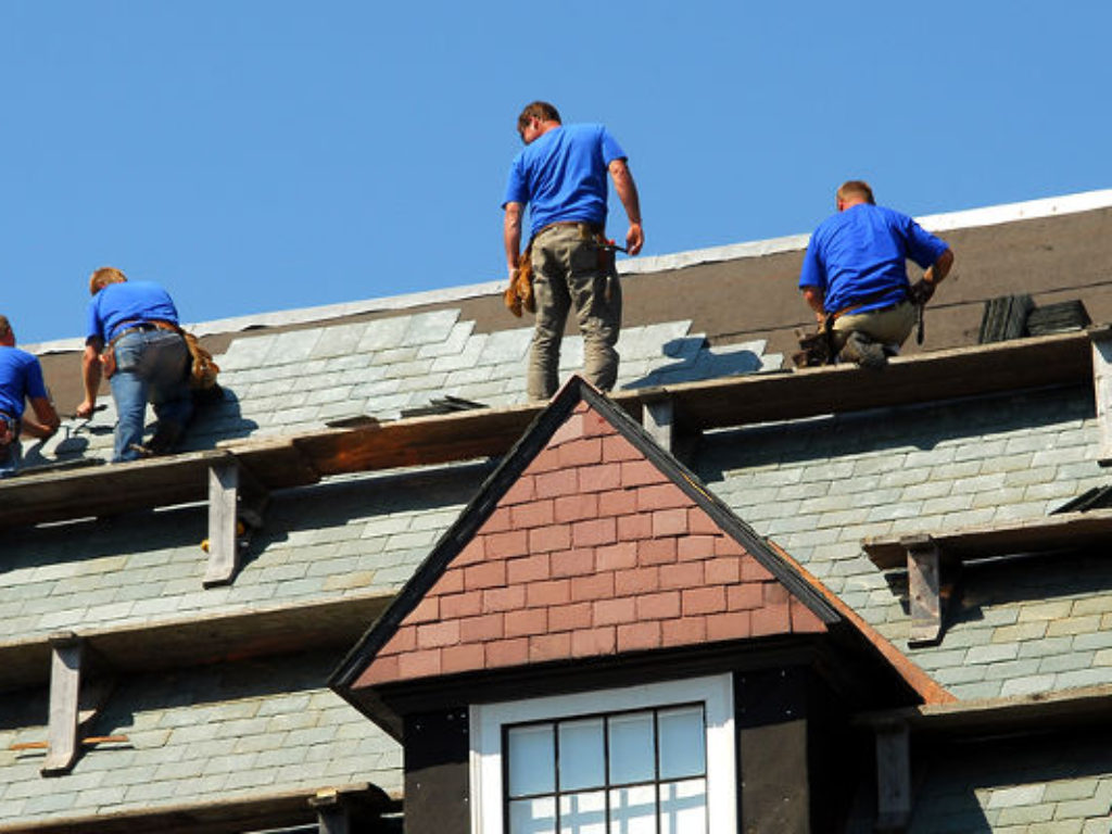 Necessities of Selecting an Industrial Roof Restore Firm