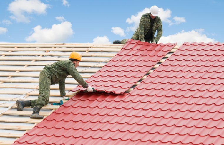 What Are The Benefits of Hiring Professional Roof Installer?