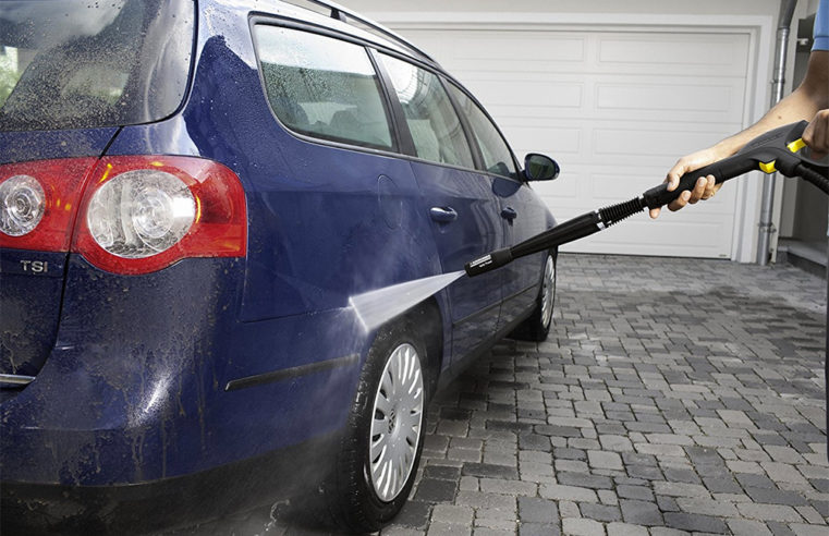 Pressure washing for the vehicles