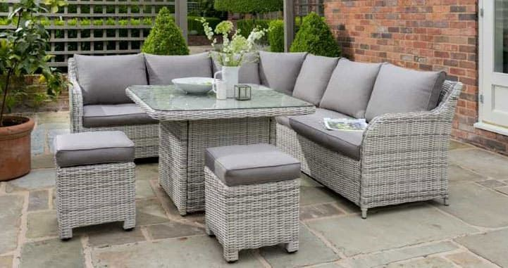 Tips To Help You Select The Best Quality Outdoor Furniture